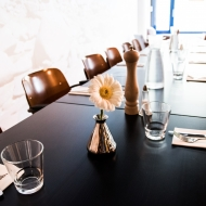 Loic Restaurant Table
